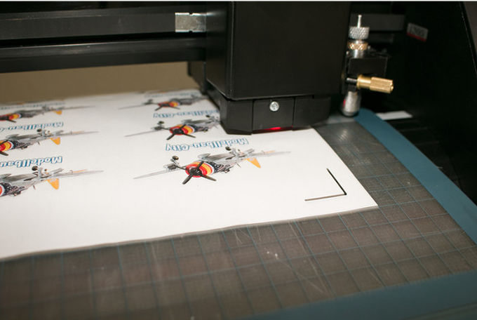 High Speed Vinyl Sticker Cutter , Vinyl Cutter Plotter With Steel Axis